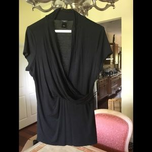 Excellent shape and Taylor short sleeve blouse